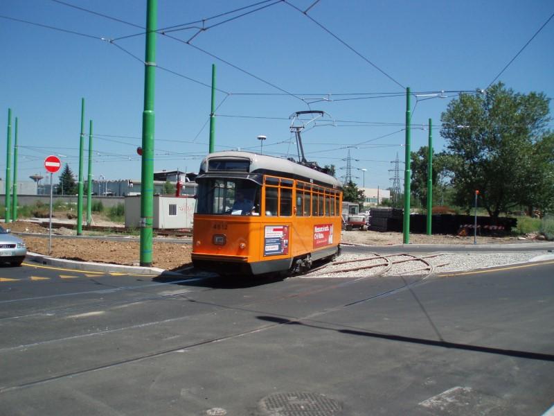 Il tram 7 allo svincolo Anassagora