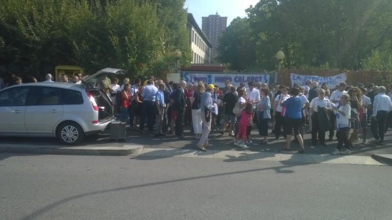 Manifestazione dei cittadini al q.re Adriano