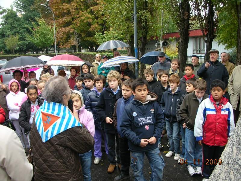 4 Novembre 2009 - Signora Lorenzi con gli scolari